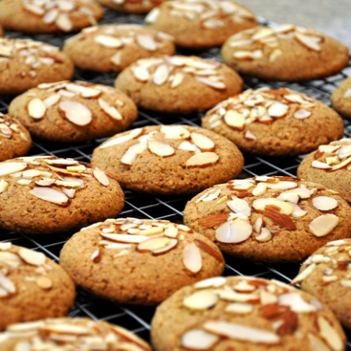 Yummy & Crunchy Almond Cookies
