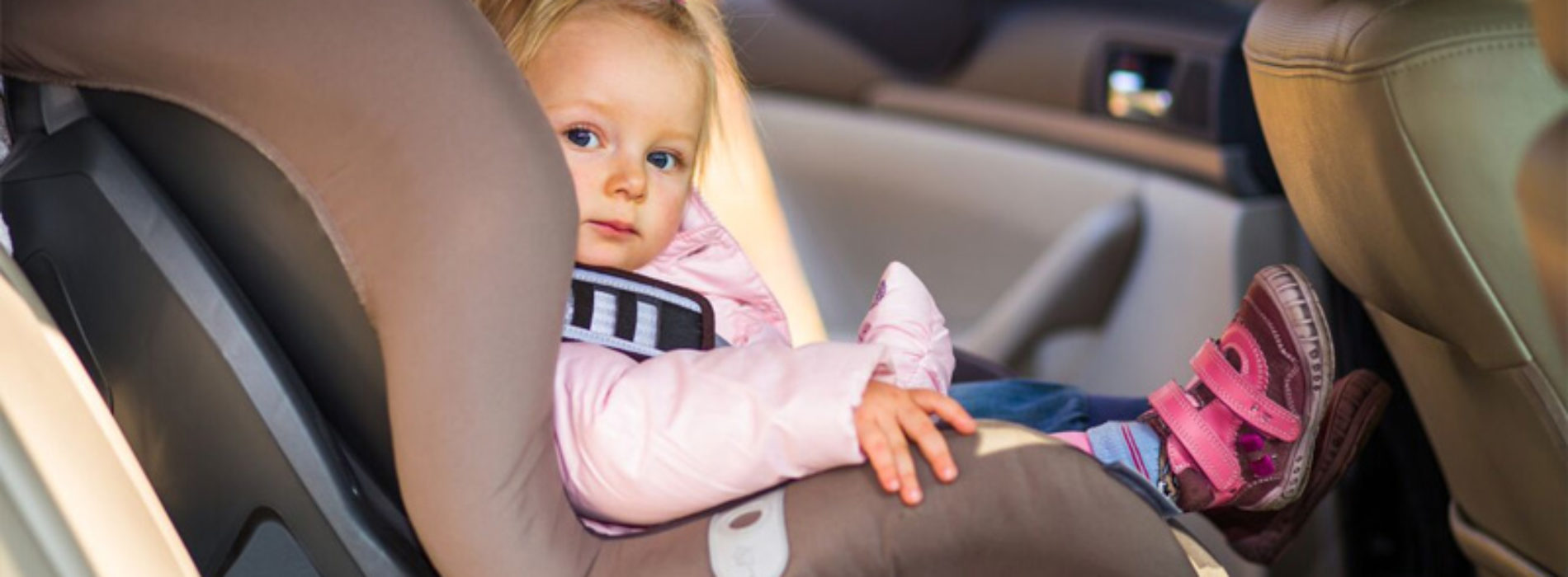 Essential safety tips for travelling with kids in the UAE